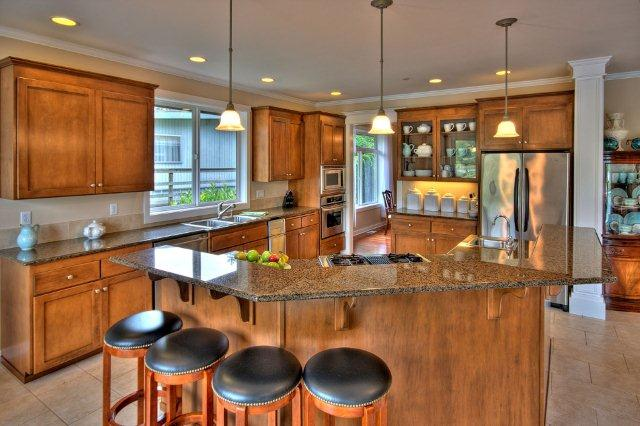 Carole 39 s blog gig harbor wa salt waterfront home at for Large kitchen islands for sale