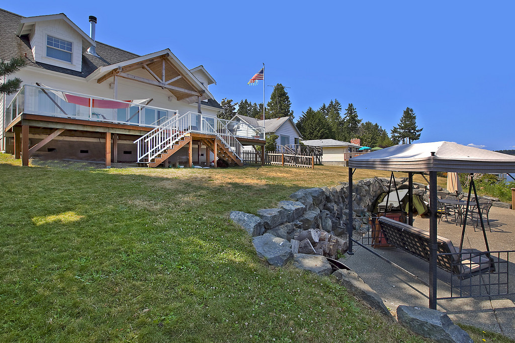 Gig Harbor saltwater home for sale
